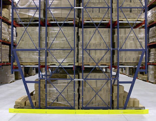 Very narrow aisle VNA teardrop pallet rack